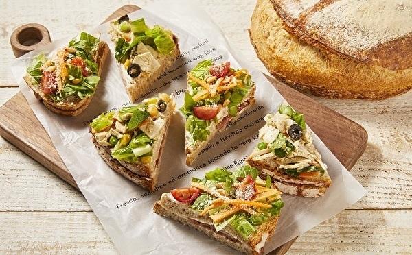 スタバ25周年プロモに「プリンチ」も参戦!魅力が詰まったサンドイッチ×イタリアパンの新作がラインナップ