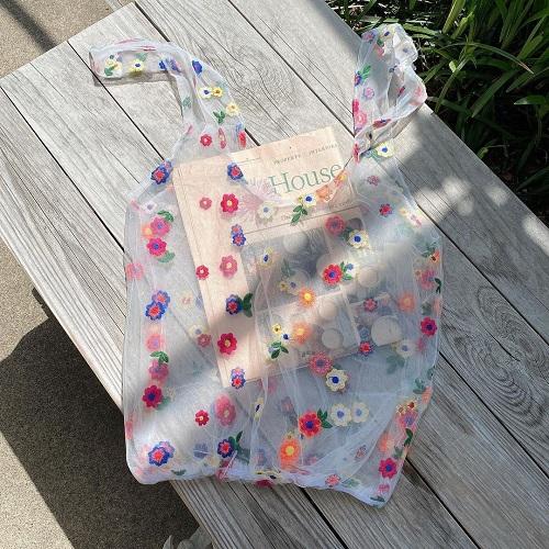 Latticeの「チュールバッグ」がエモかわいいっ!色鮮やかなフラワー刺繍はみんなの視線をひとり占めできそう