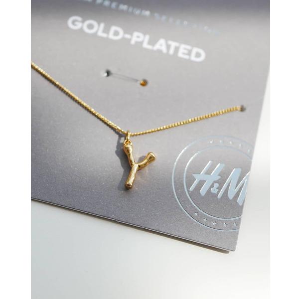 H&Mからもアルファベットネックレスが登場!ハイブランドみたいな高級感がおしゃれさん達の間で人気急上昇中