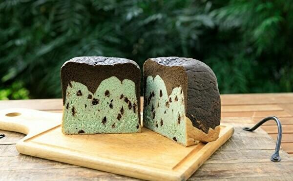 初のベーカリー「チョコミント食パン」も登場。六本木・512CAFEのオンラインショップがOPENしました