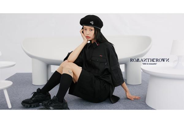 韓国トレンドファッションに欠かせないROMANTIC CROWN。待望の日本公式ストアがOPENです