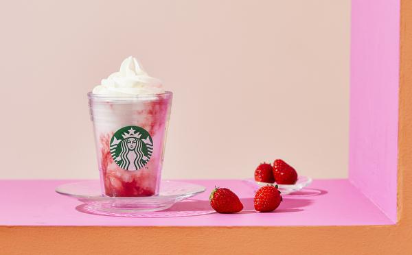 スタバにストロベリー×ミルクの自信作が登場。マーブル模様がかわいいフラペチーノは夏季限定のお楽しみです