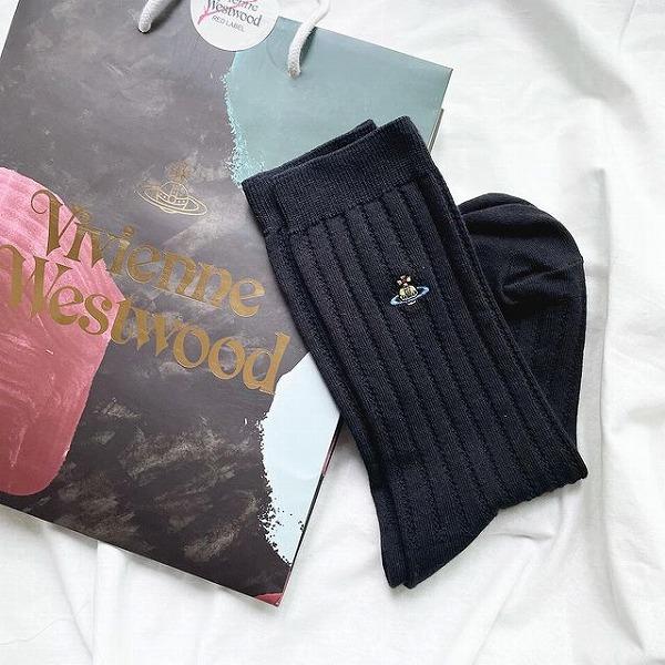 """土星?王冠?見覚えのある神秘的なこのマーク。ヴィヴィアン・ウエストウッドの""""靴下""""が優秀なんです"""