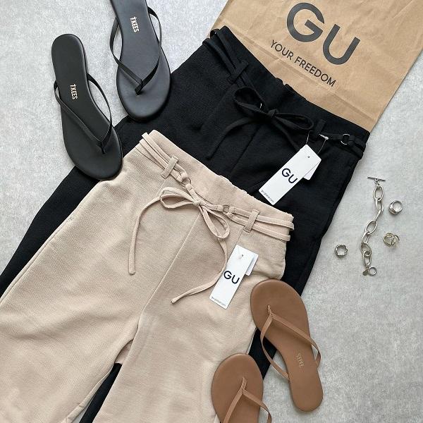 GUの「キレイ見えパンツ」は売り切れる前にGETして!ゆったりとしたシルエットが履き心地抜群なんです