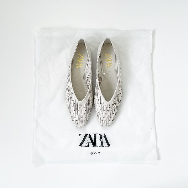 ZARAの「メッシュレザーシューズ」は長く愛用したくなるデザイン。コーデに馴染みやすいカラーにも注目です!