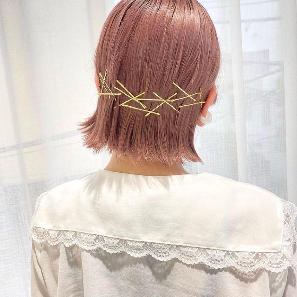 ピンだけでこんなにかわいいなんて!「ゴールドピン」で垢抜けヘアアレンジが簡単にできちゃうって知ってた?