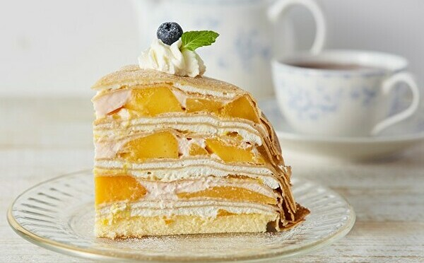 ご褒美ミルクレープにマンゴーが仲間入り。夏のお楽しみが「Afternoon Tea LOVE&TABLE」で始まりますよ