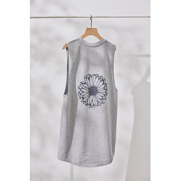 このシンプルさがお気に入り。econo-me×長谷川海乃さん共創のエコなファッションをこの夏取り入れたい