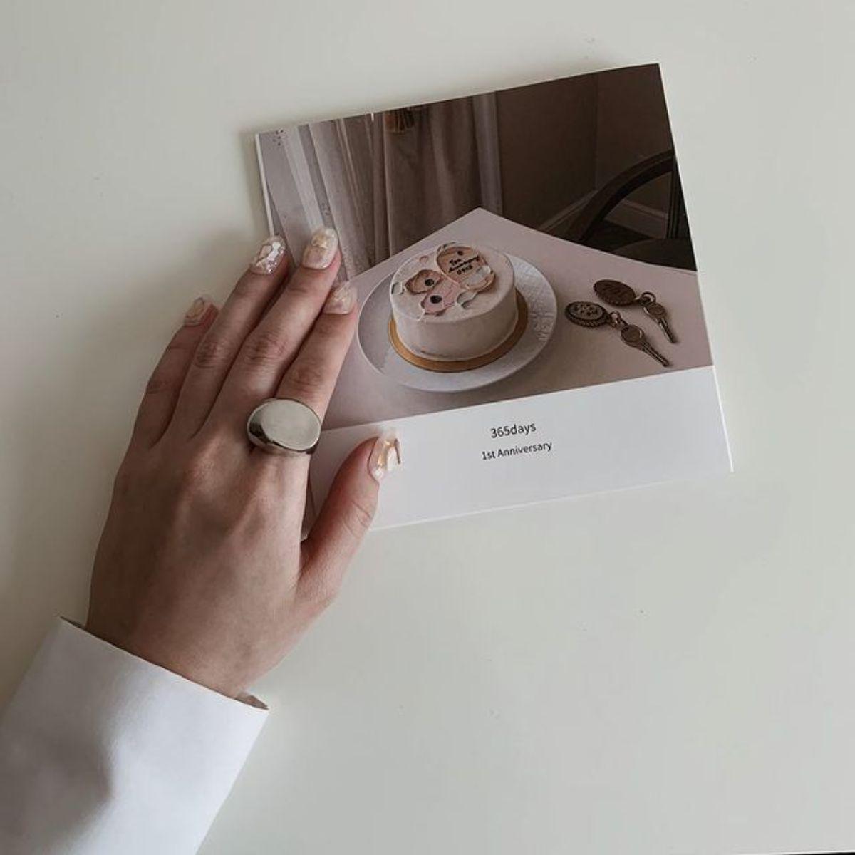 """たった""""198円""""でこんなにおしゃれなフォトブックが作れちゃう!誕生日には「しまうまプリント」で贈り物を"""