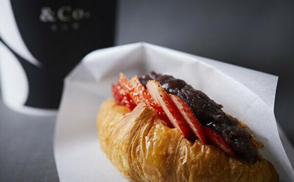 """""""あんこ""""が主役のクロワッサンは朝食にもぴったり。あん処「&Co.(アンドコ)」1号店が池袋にオープンです"""