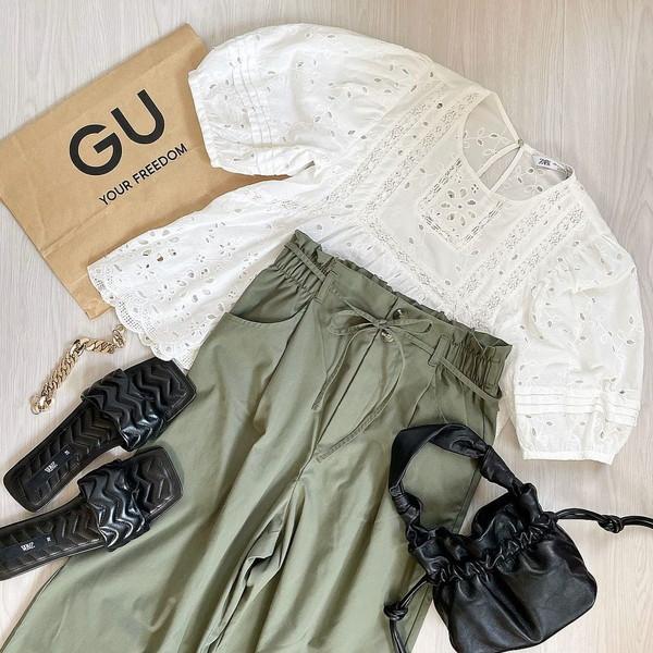 【GU】発売直後から大人気なのも納得!脚長効果がバツグンの1990円のワイドパンツは夏でも快適に穿けちゃう