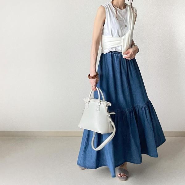 【GU】「買ってよかった」って思えそう。すらっとした美シルエットが叶うデニムティアードスカートに注目です