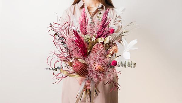 """お部屋のインテリアや、大切な人へのギフトにも。お花の通販「HitoHana」の""""ドライフラワー""""が気になります"""