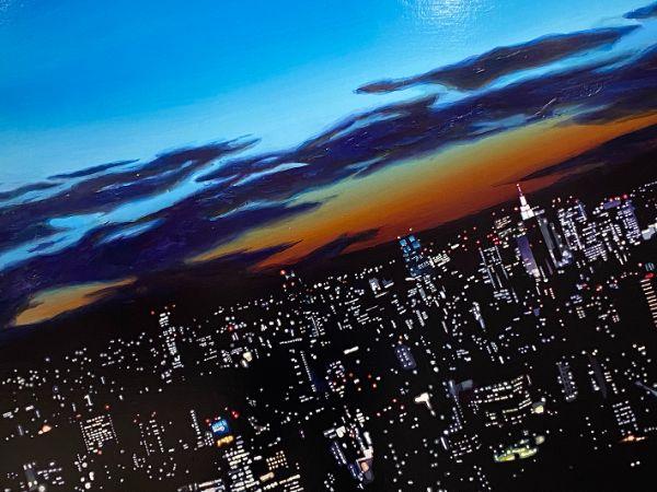 SNSで話題の「KOIVE CAFE」の地下1階でギャラリー展が開催。橘川裕輔さんが描く美しい夜に触れてみない?