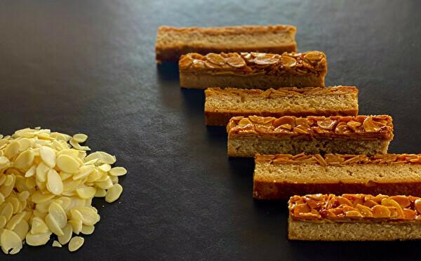 """バターの香りに引き寄せられそう。""""焼きたて""""にこだわった焼き菓子専門店「Queen」が福岡の住宅街にOPEN"""