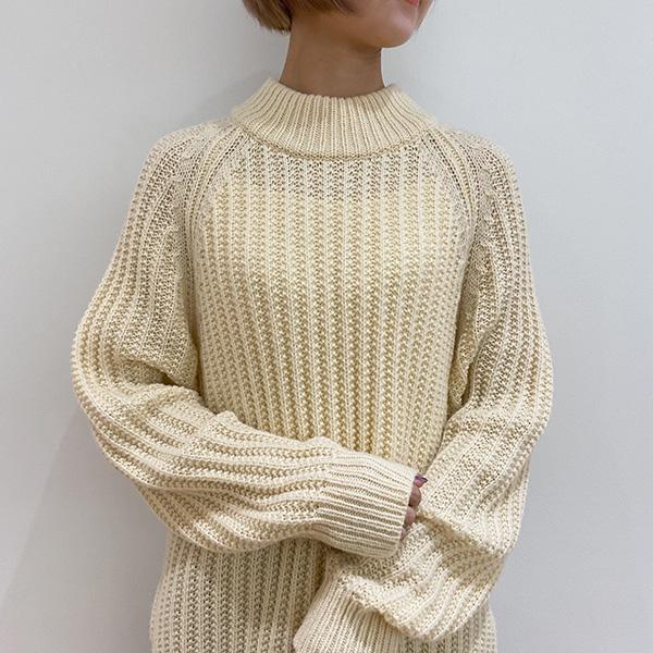 """【ユニクロレポ】""""最高傑作""""との声も上がる「Uniqlo Uセーター」。ざっくり感がお好みならこれ1択かも"""