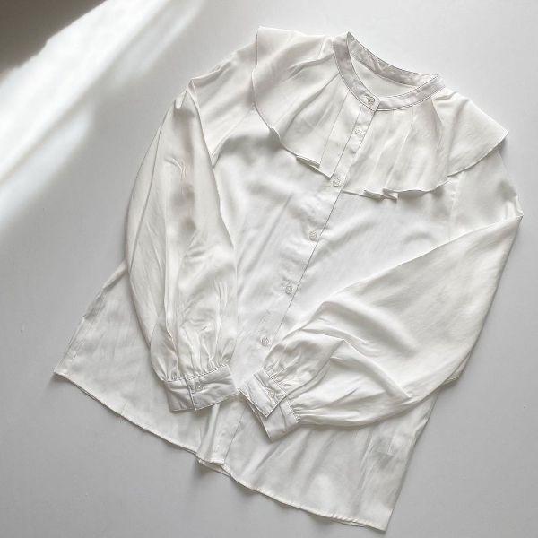 【GU】10月なのにまだ暑い…!薄手の長袖が活躍する今は、トレンドのビッグカラーシャツをアンダー2000円で