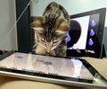 iPadの画面を必死に叩き続けるペットたちが可愛いすぎる♡