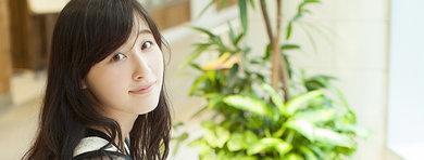 【今週のiPhone美女】大学生のKAEDE LAPINさんは自分の歌声を発信できる『nana』を愛用中♪