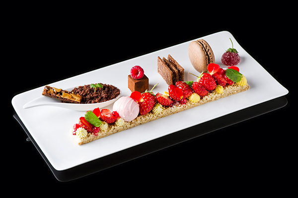 1612_lg_strawberry_chocolet_plate2