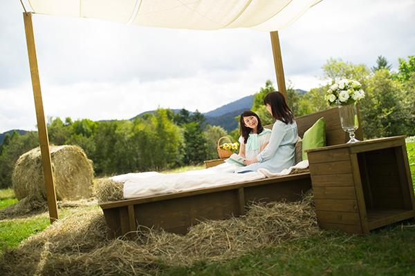 【トマム】牧草ベッド_女性3
