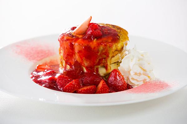 苺のクレームブリュレパンケーキ2_s